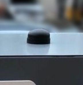antenne avec fixation traversante